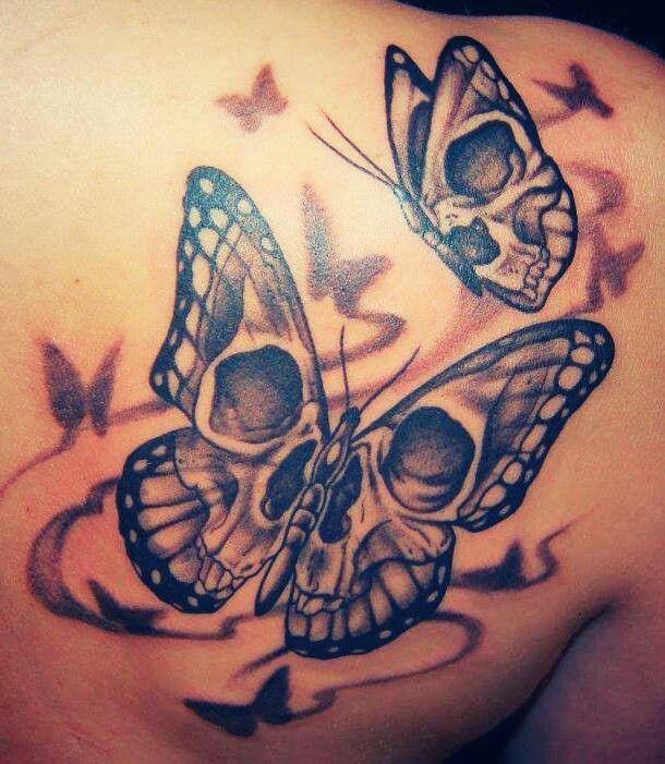 Tattoo de Mariposa con Calavera