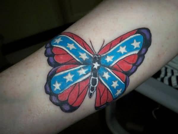 diseño de tatuaje de mariposa con bandera