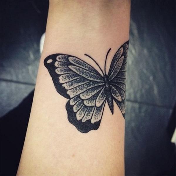 tattoo de mariposa gotica