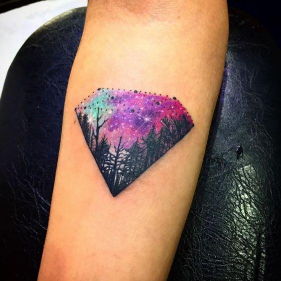 idea para tatuaje de diamante mujer