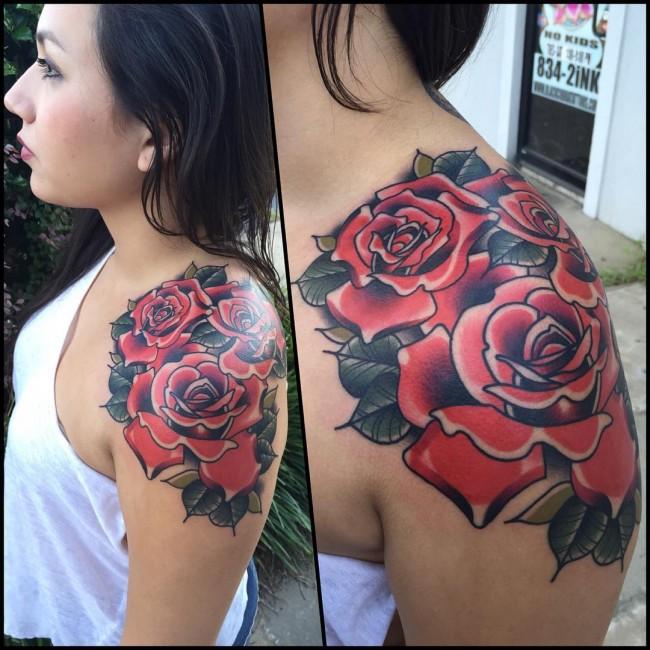 significado de tatuaje de rosa en el hombro