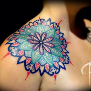 significado de tatuaje en el hombro derecho