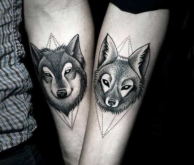 tattoo de lobos para parejas