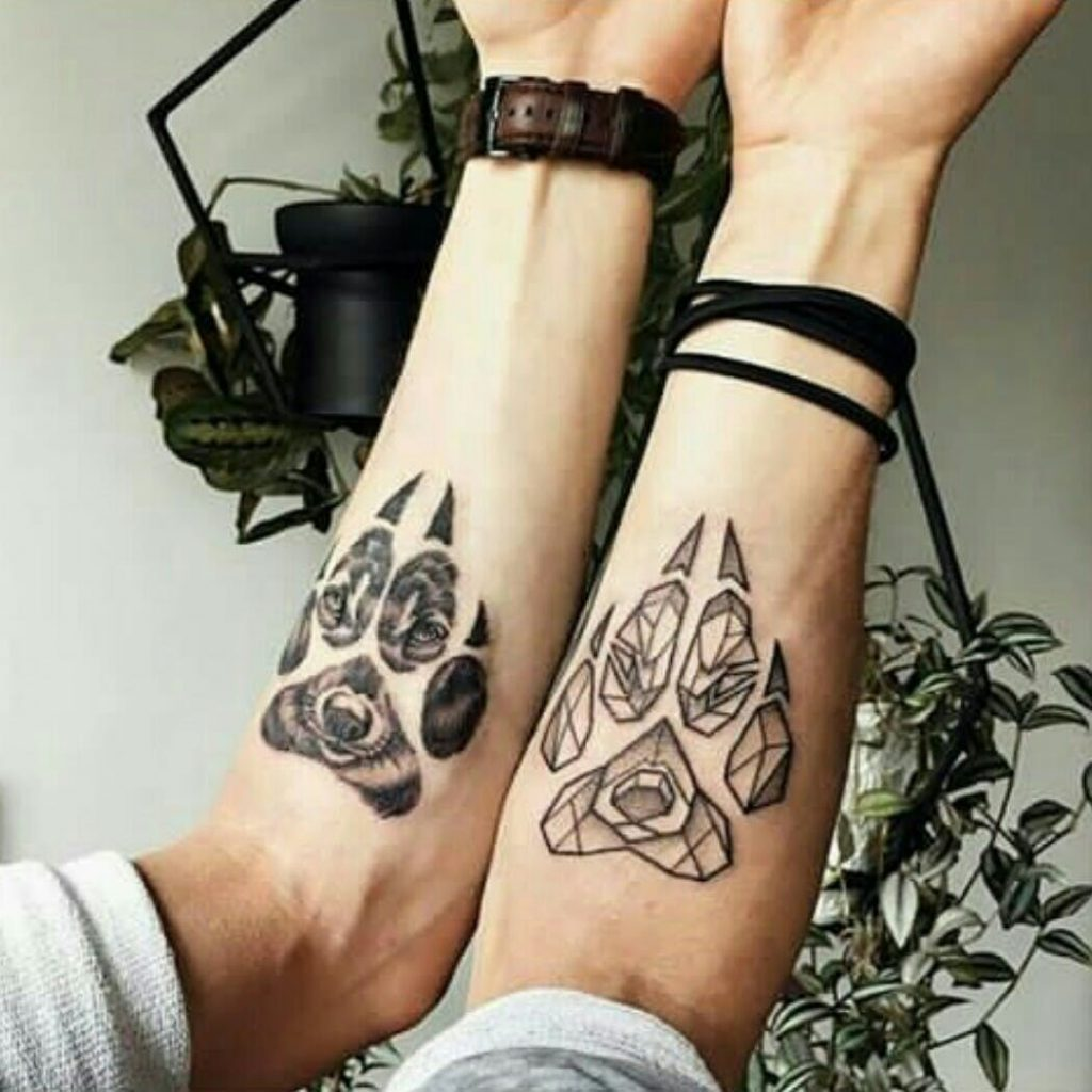tattoo huella de lobo
