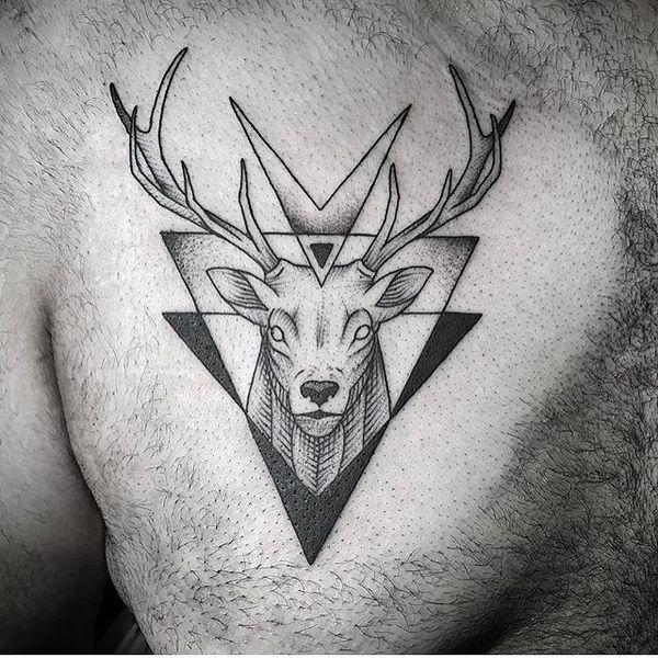 tatuaje de ciervo para hombre