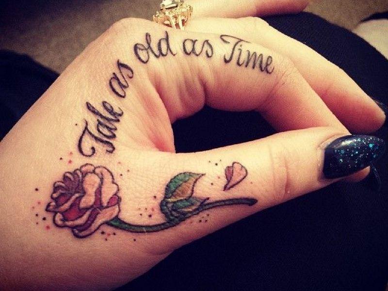 tatuaje de frases en la mano