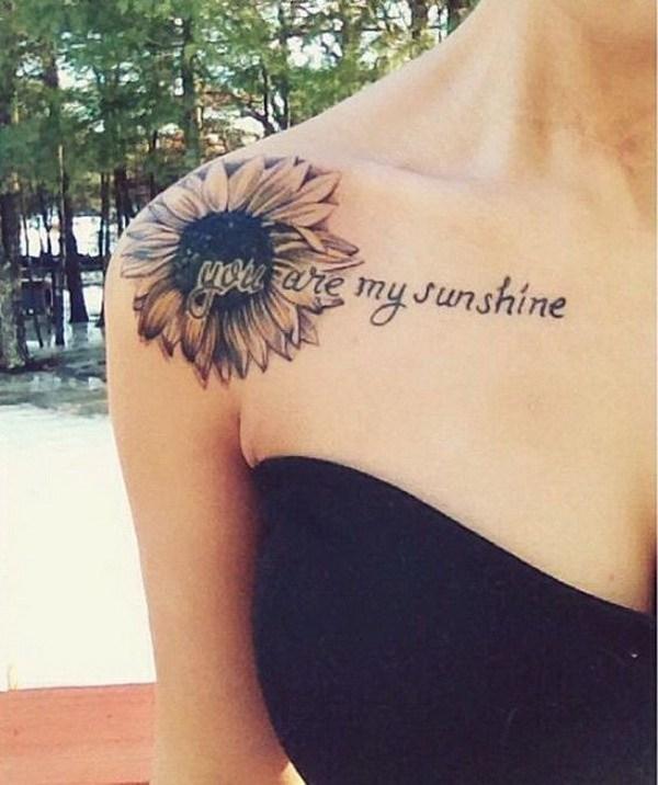 tatuaje de girasol en el hombro