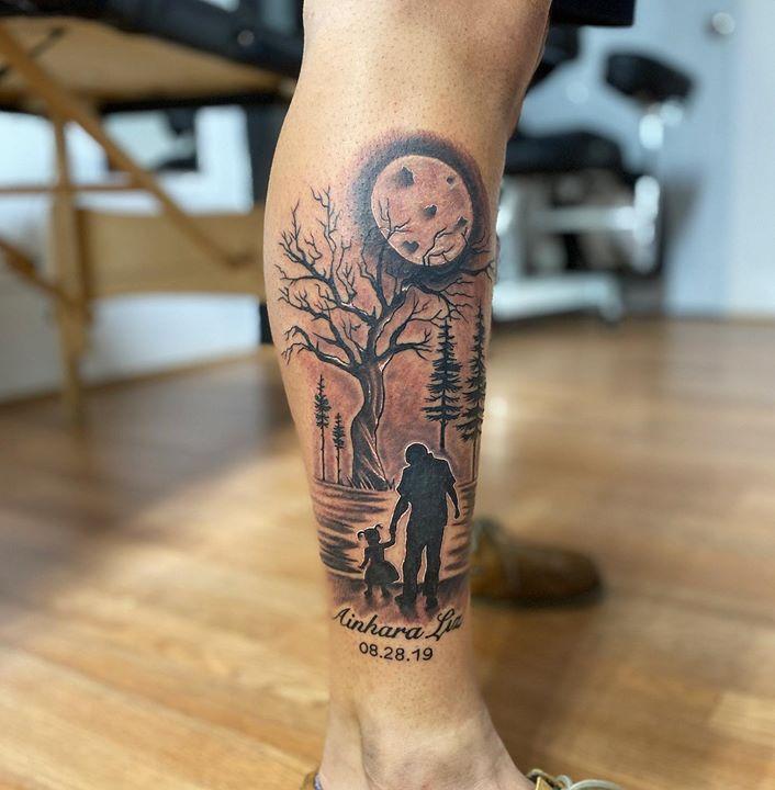 tatuaje de padre e hija en el bosque