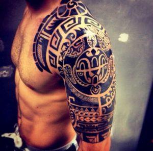 tatuaje de the rock en el hombro significado