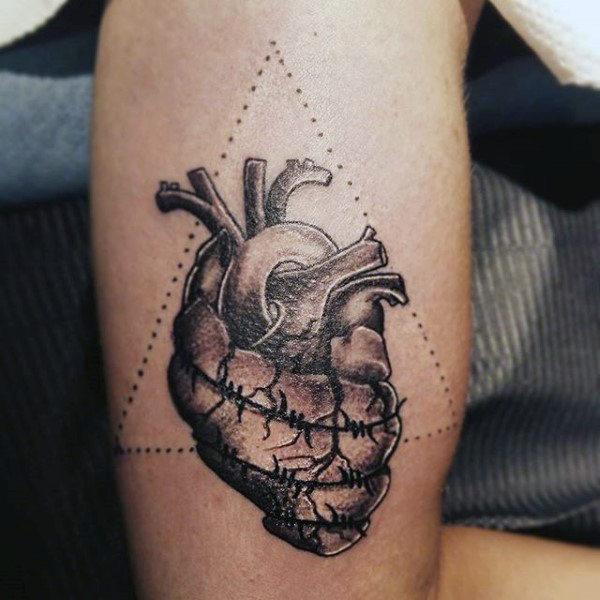 en 3d alambres y corazón