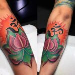 Tatuajes de OM y Flor
