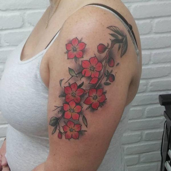 tatuaje de flores para mujer