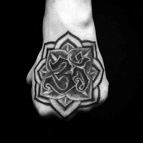 tatuajes de om que simbolizan