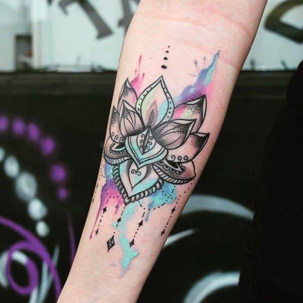flor de loto y acuarela