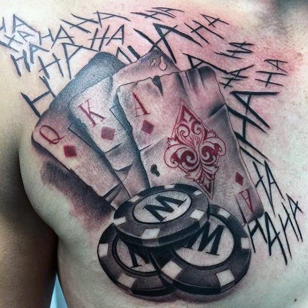 tatuaje de cartas en el pecho