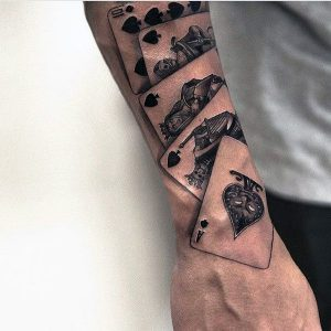 tatuaje escalera real poker