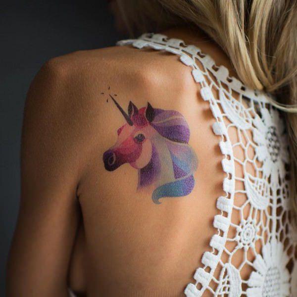 unicornio estilo acuarela
