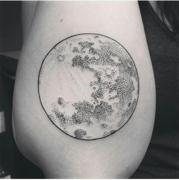 diseño para tattoo de luna en el antebrazo