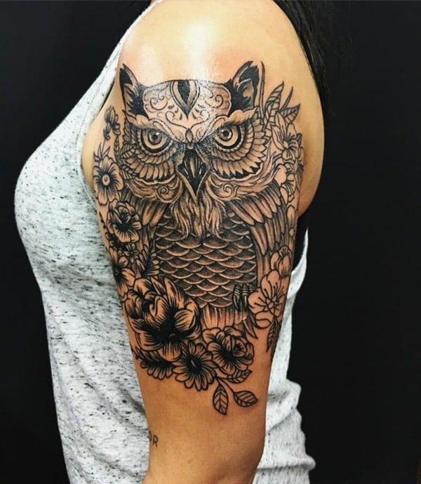mejor tatuaje de buho para mujer en el brazo