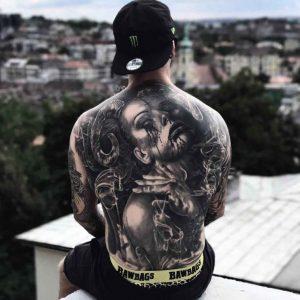 mejores tatuajes en la espalda con significado