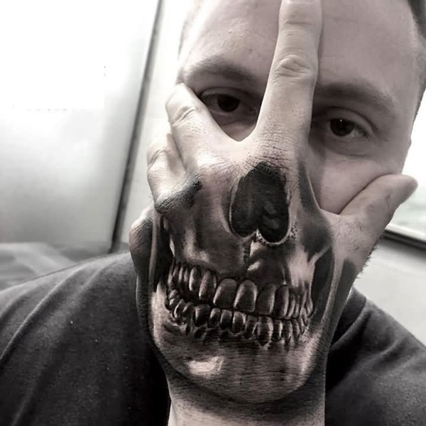 tatuaje 3D en la mano