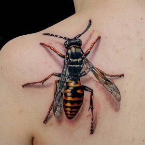 tatuaje de abeja en 3D