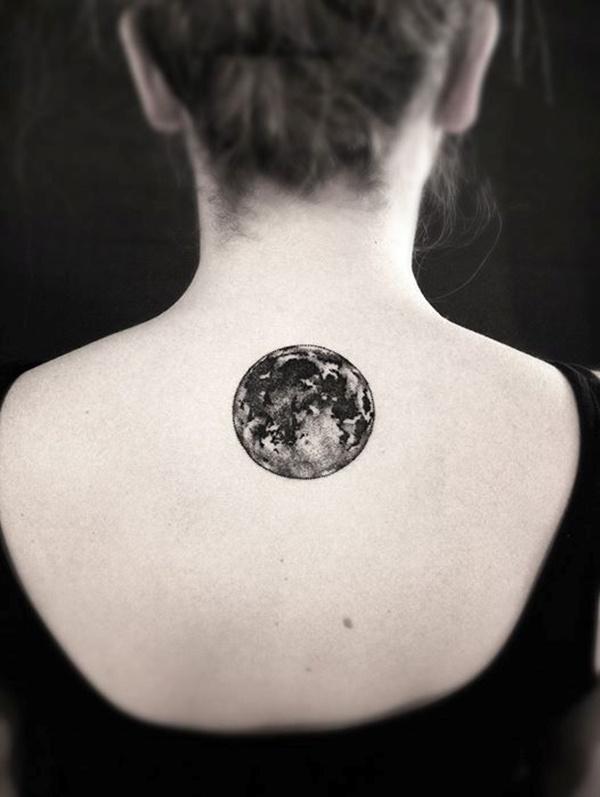 tatuaje de luna original efecto realista