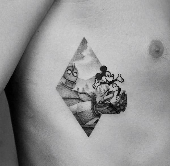 tatuaje de mickey para hombres