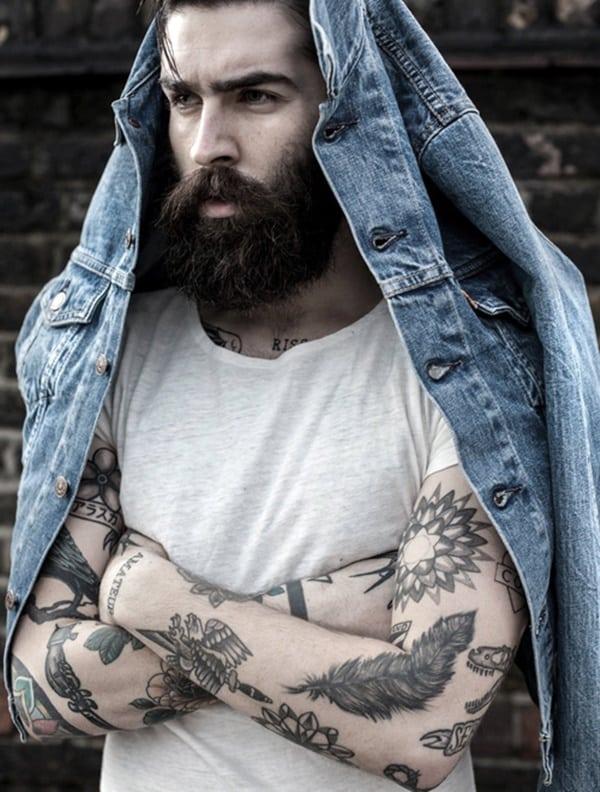 ideas para tatuajes de plumas de cuervos