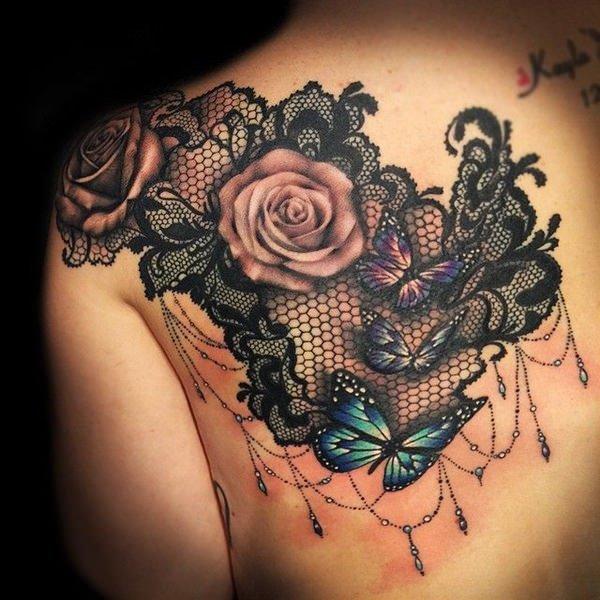 rosas con mariposas en la espalda