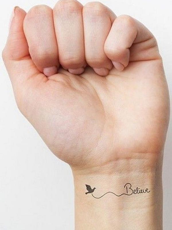 tatuaje de Believe en la muñeca