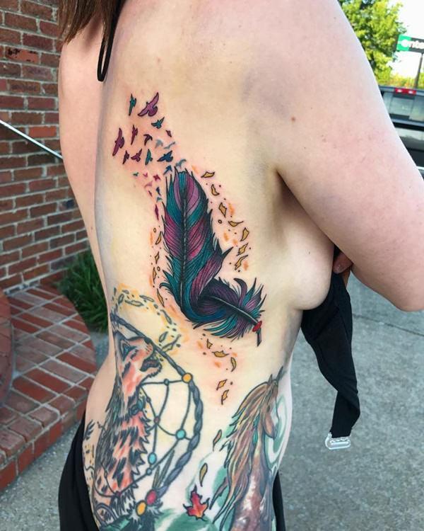tatuaje de pluma de aguila