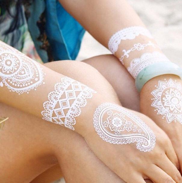 tatuajes blancos para mujeres