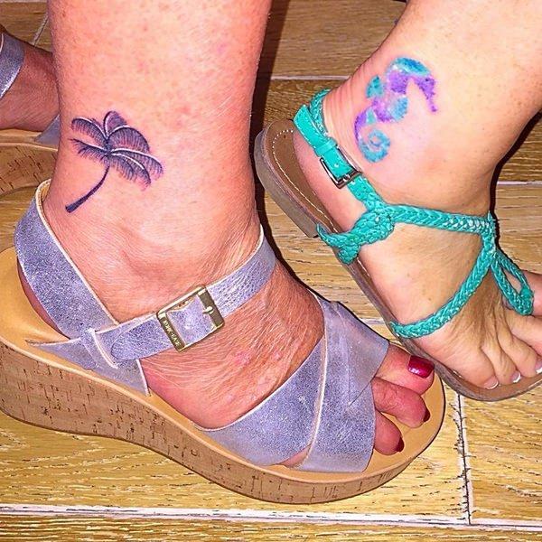 tatuajes pequeños para madre e hija