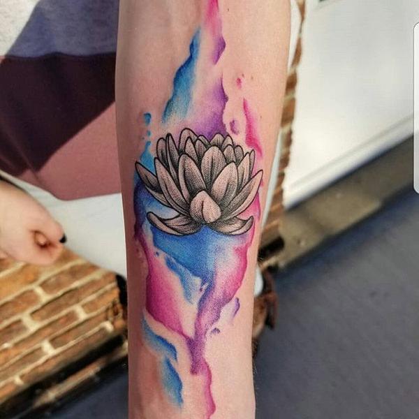 flor de loto en acuarela