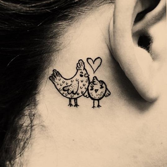 tatuaje de gallina