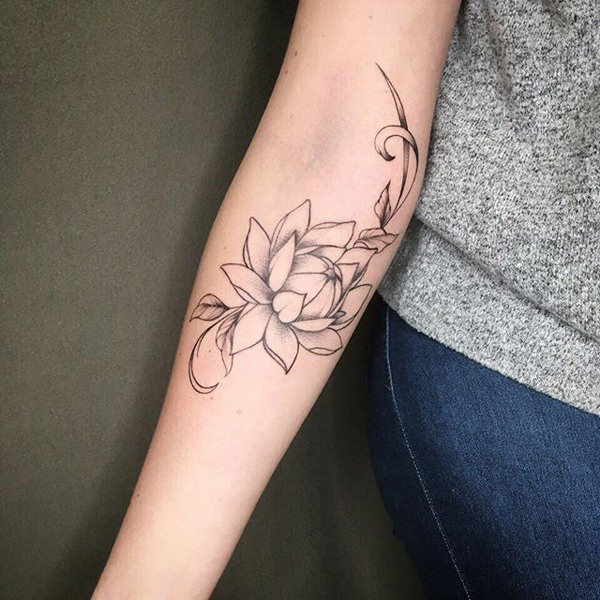 tatuaje original de flor de loto