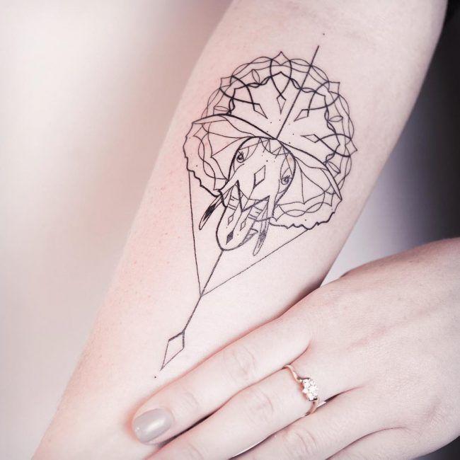 elefante geometrico en el brazo