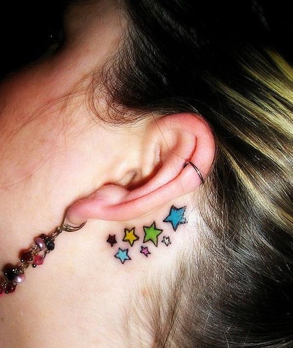 estrellas a color detras de la oreja