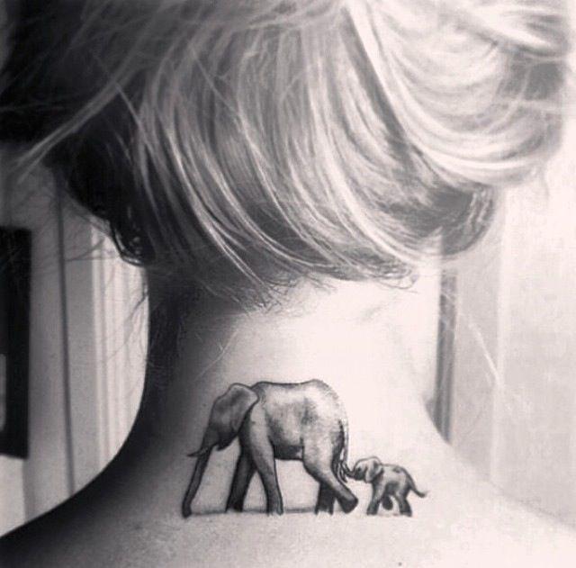 tatuaje de elefante en el cuello