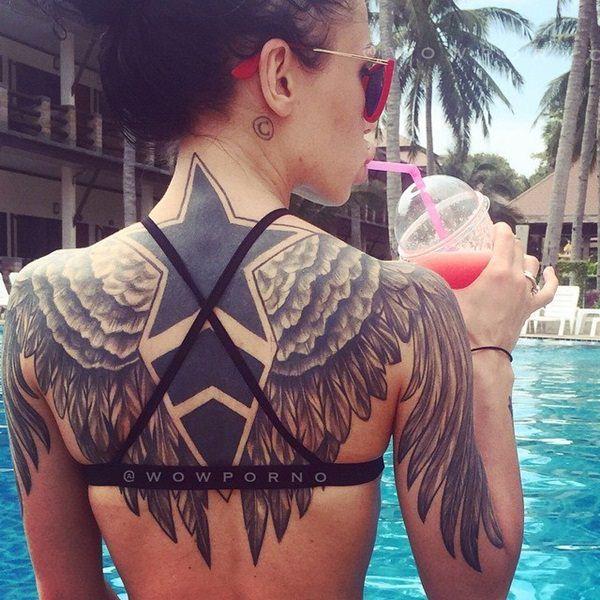 tatuaje de estrella negra para mujer
