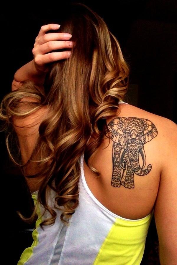 tatuaje para mujer de elefante en la espalda