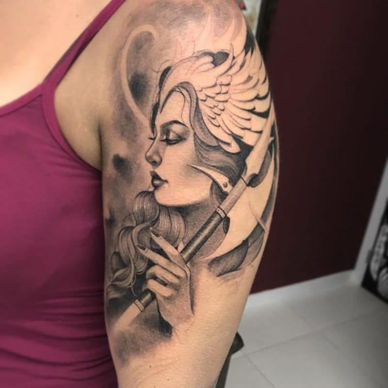 mujer vikingo tattoo