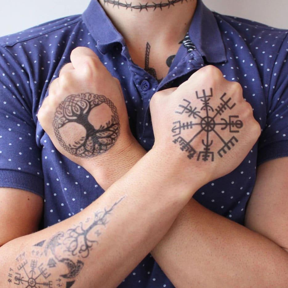tatuaje de Yggdrasil