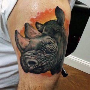 tatuaje de cabeza de rinoceronte