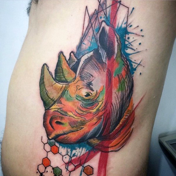 tatuaje de rinoceronte acuarela