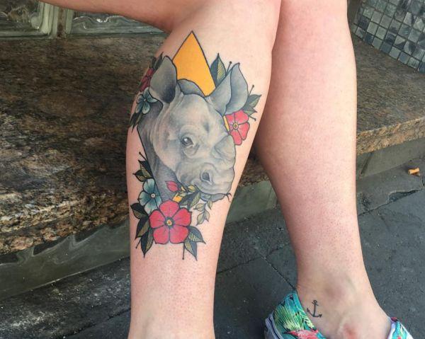 tatuaje de rinoceronte para mujeres
