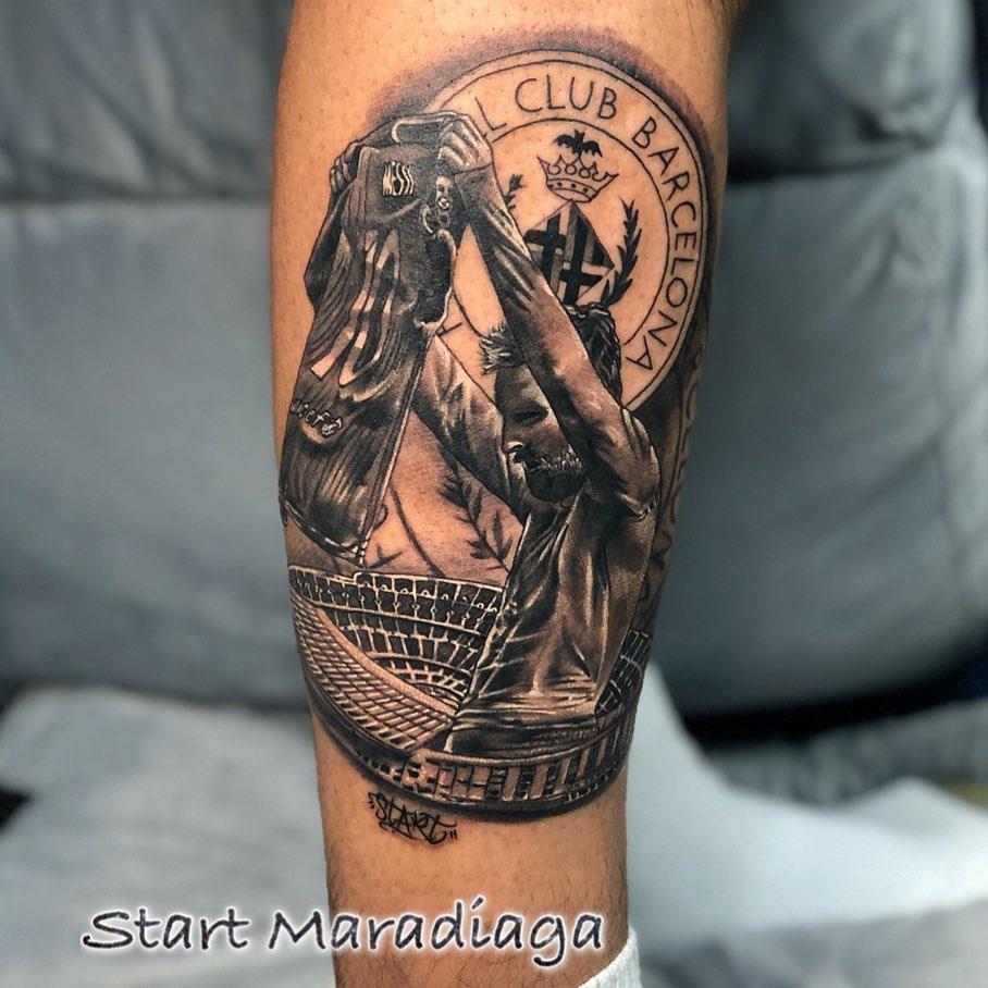 mejor tatuaje de messi barcelona y camp nou