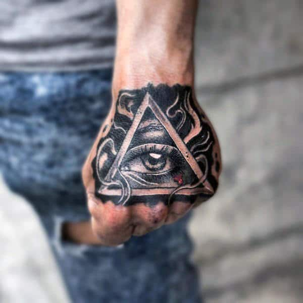 mejor tatuaje del ojo illuminati