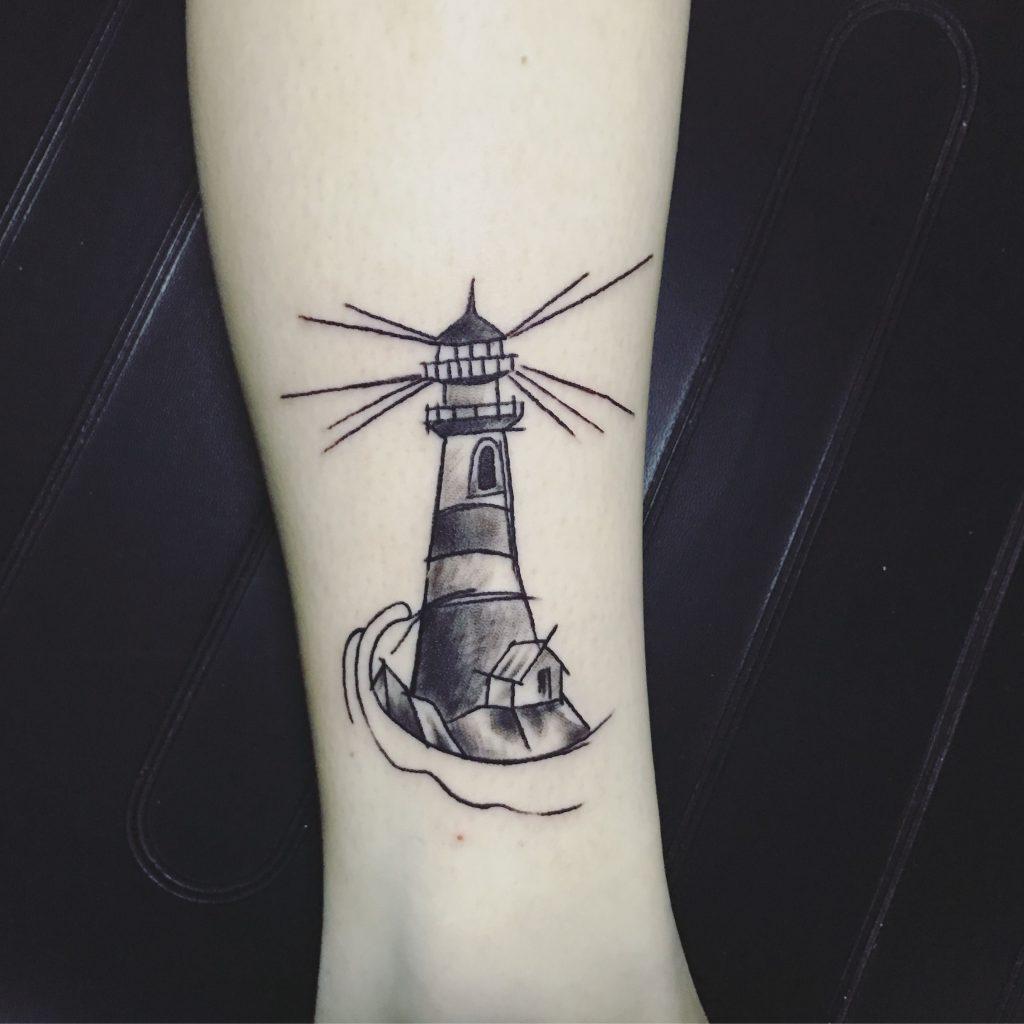 tattoo boceto de faro en el brazo